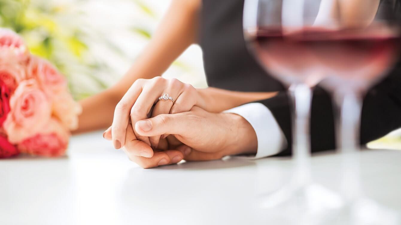 Nişanlı Kıza Ne Hediye Alınır