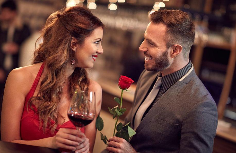 evlilik yıldönümü akşam yemeği sürprizi