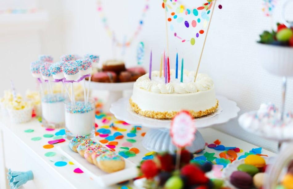 Arkadaşa doğum günü sürprizi ne yapabilirim?
